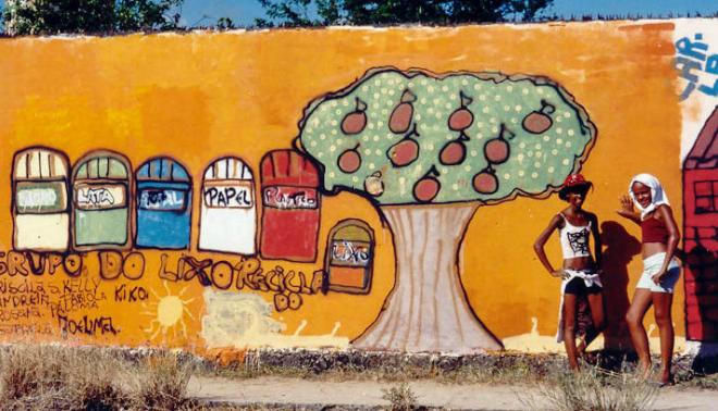Grafitti on the topic of water and sanitation problems, Recife, Brazil / Photo credit Waterlat Gobacit / Flickr