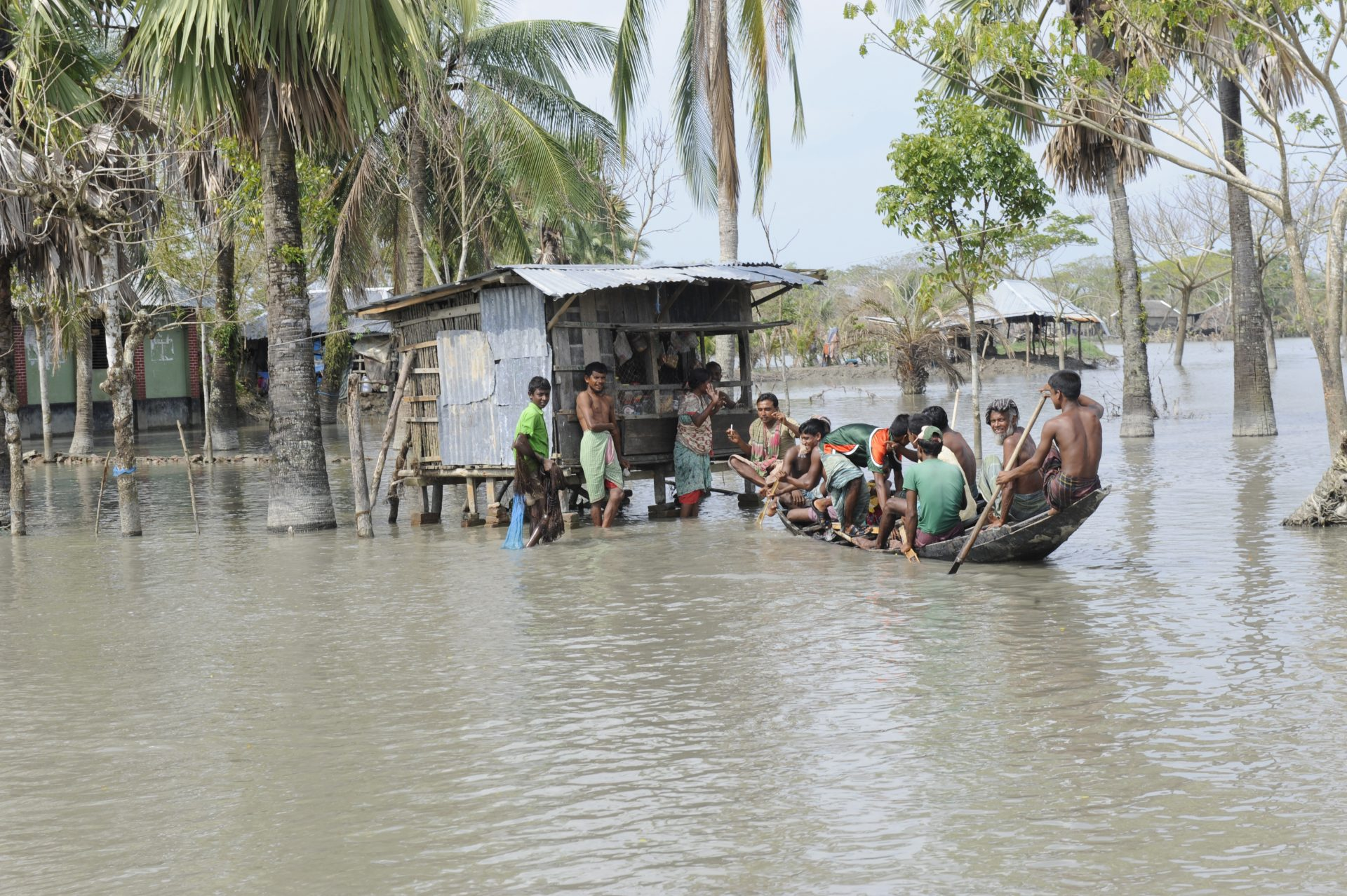 Whose risks do corporations consider? Do they include those here in Southern Bangladesh dealing with flooding in 2009. (Credit: Department for International Development / Rafiqur Rahman Raqu)